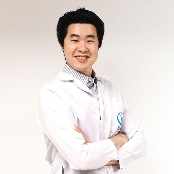 ประการ ธนะศรีสืบวงศ์ Implantologist