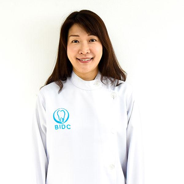 ทันตแพทย์หญิงปราณี กริชพิพรรธ DDS., MDSc., Dentists Bangkok